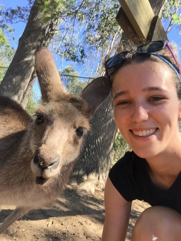 how to take a selfie with kangaroo