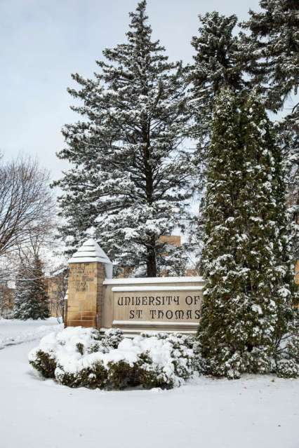 The St. Thomas sign at the corner of Summit Avenue and Cleveland Avenue after the first snowstorm. Mark Brown/University of St. Thomas