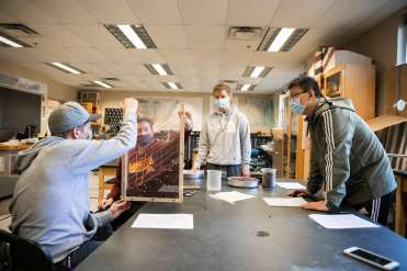 Students work in Jeni McDermott's geology lab in O'Shaughnessy Science Hall. Liam James Doyle/University of St. Thomas