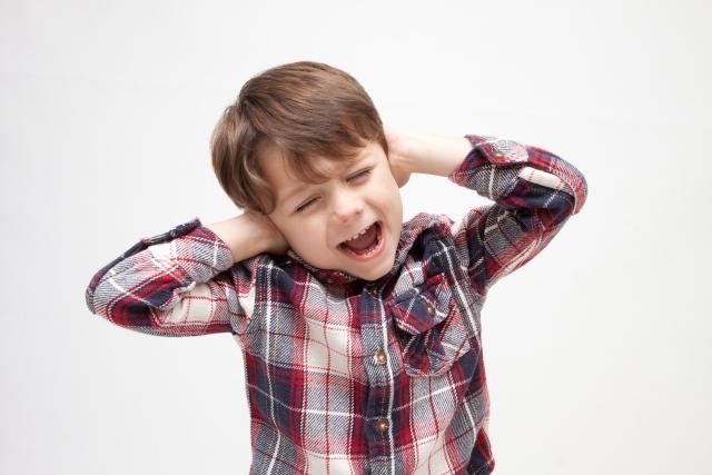 耳掃除を嫌がる子供にピンセットを使ったら耳垢がごっそりとれた