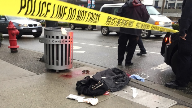 溫哥華鬧市砍人慘劇 他慘遭割頸3人重傷 | 新聞