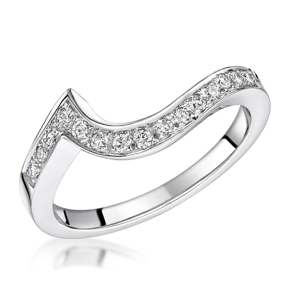 How to choose an engagement and wedding ring that work for Engagement and wedding rings that fit together