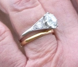 Wearing Engagement And Wedding Rings On Which Finger?   The Engagement And Wedding  Rings Of