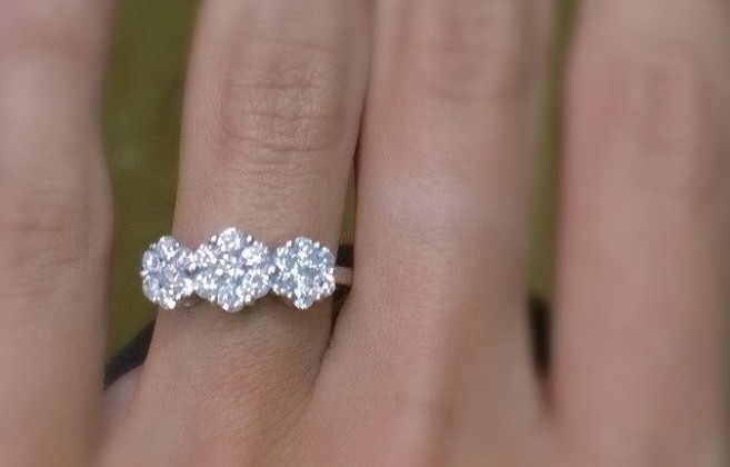 Diamond circles trilogy 3-stone ring made with diamond clusters with 1 carat diamonds and white gold 18K