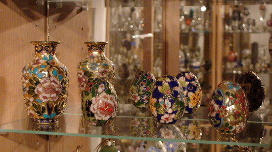 Porcelaine eggs at the Museum of the Decorated Eggs in Romania - History of Easter egg jewellery