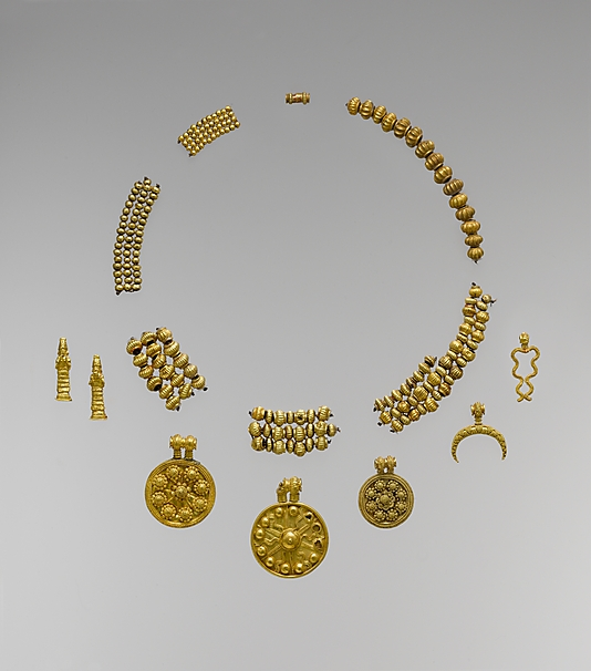 Ancient Babylonian gold necklace and beads