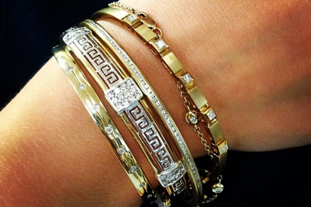Meaning of Diamond Bangles