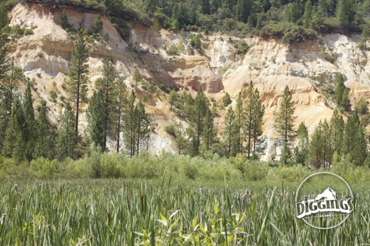 While part of an ecological disaster, the remaining cliffs maintain their own beauty.