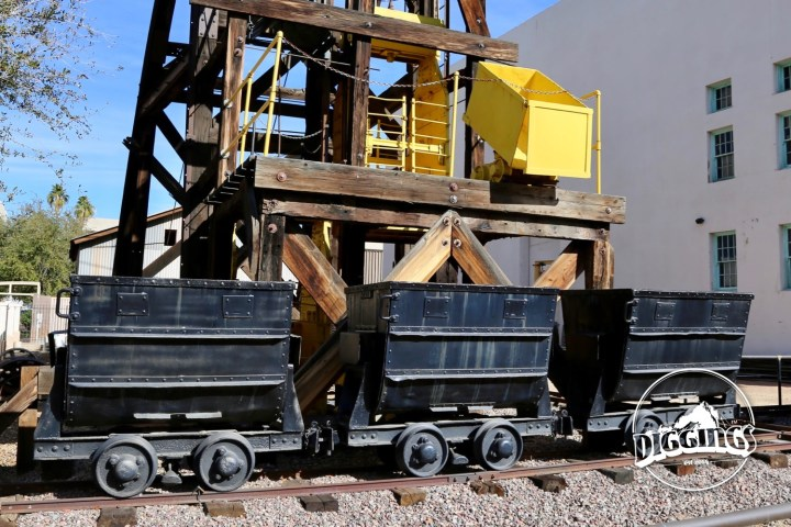 Why is the Arizona Mining & Mineral Museum closed?
