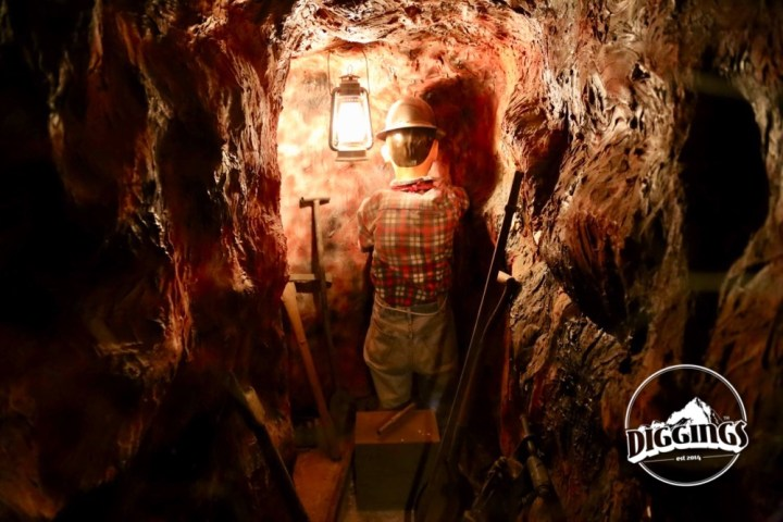 Mineshaft Replica at the Gold Nugget Museum