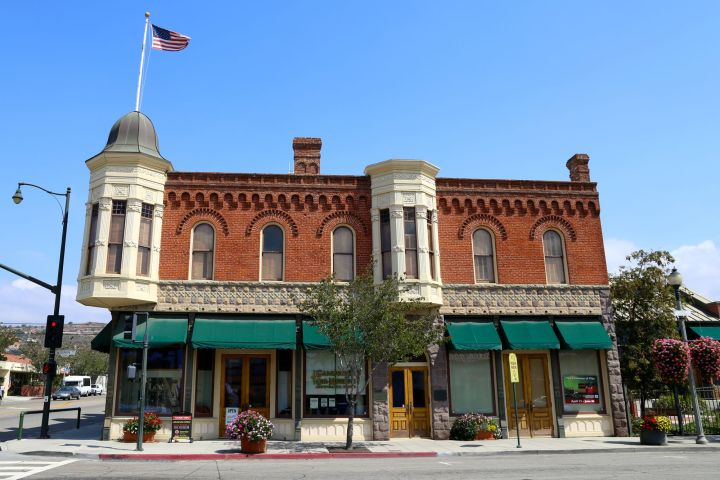 The California Oil Museum is located in the Union Oil Company Building in Santa Paula, CA. Upstairs are preserved offices that can be toured by appointment only.