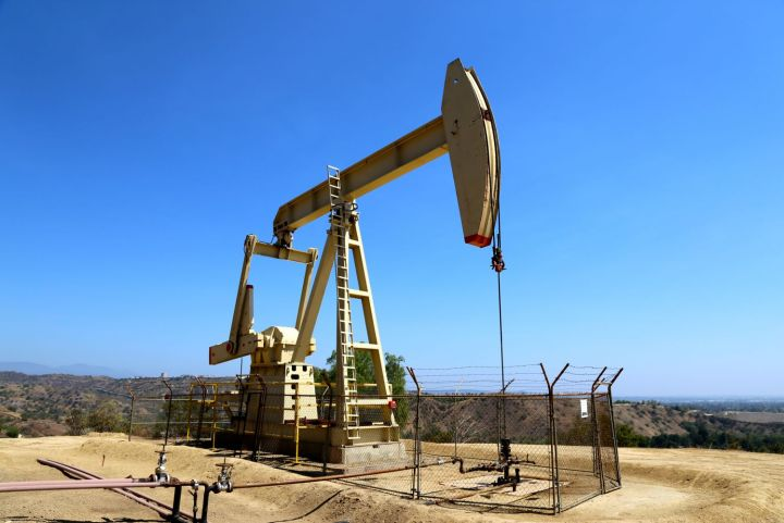 Still active oil well along the Olinda Oil Trail.