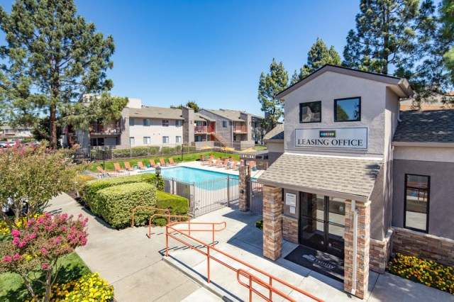 Henley Apartment Homes, Security Properties, New York Life Real Estate Investors, Sycamore Terrace