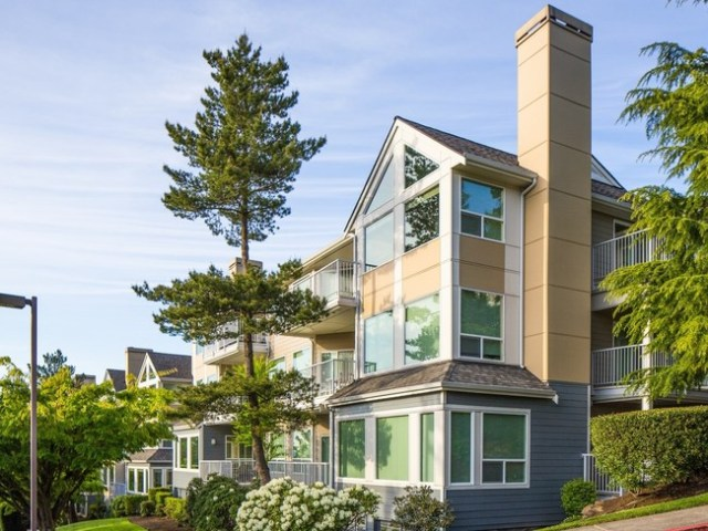 Kirkland apartment