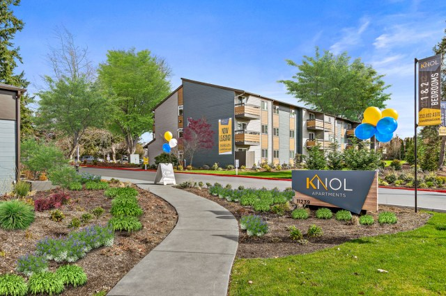 Seattle, Kidder Mathews, Knol Apartments, La Mirage Apartments, Goodman Real Estate, Forum Real Estate