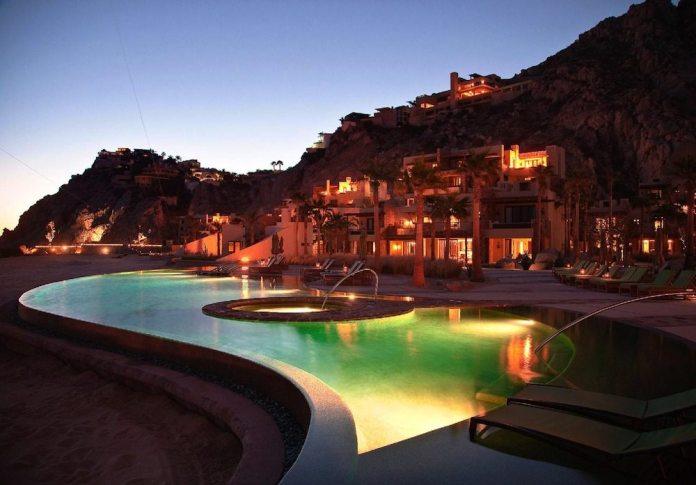 photo - capella pedregal - pool w mtn background - credit SWA Group