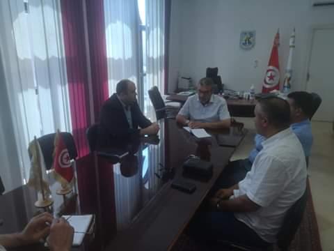 جلسة عمل صباح اليوم بمقر بلدية رواد