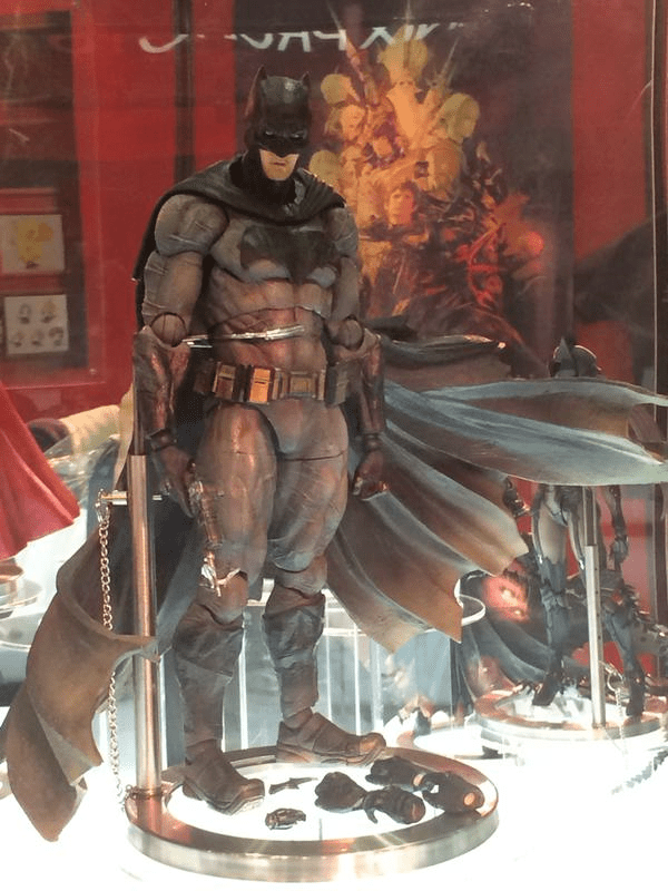 TGS 2015 Play Arts Kai Batman V Superman Final Fantasy