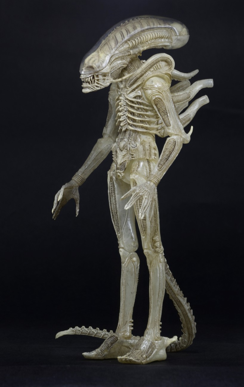 NECA Quarter Scale Concept Alien Announced 002