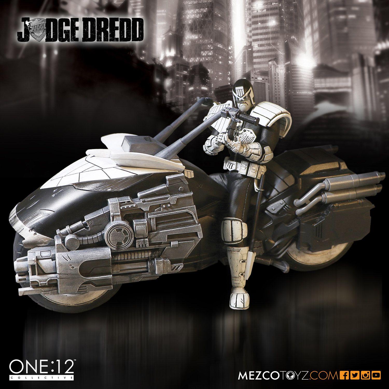 SDCC One12 BW Judge Dredd Set 001