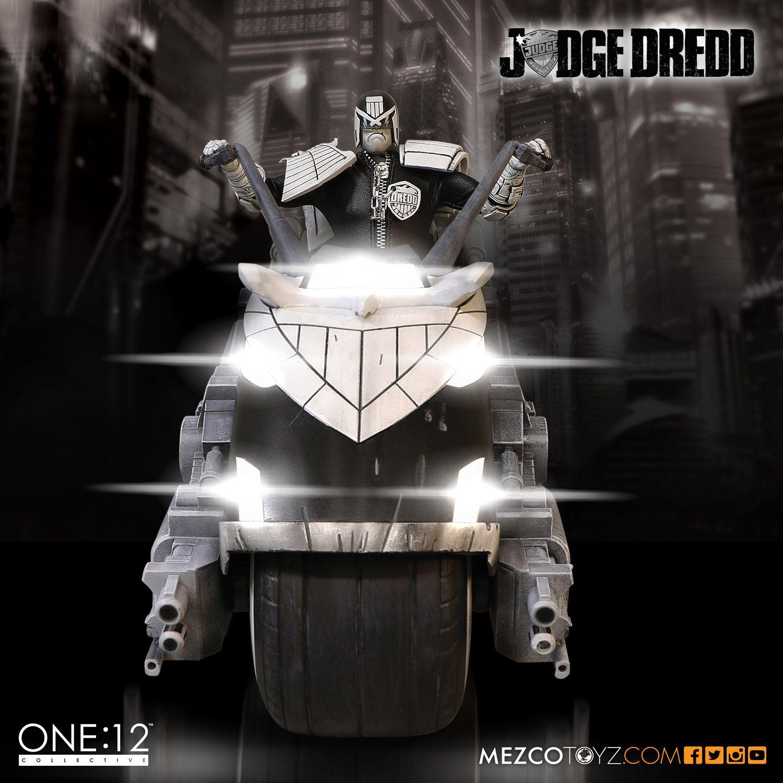 SDCC One12 BW Judge Dredd Set 003