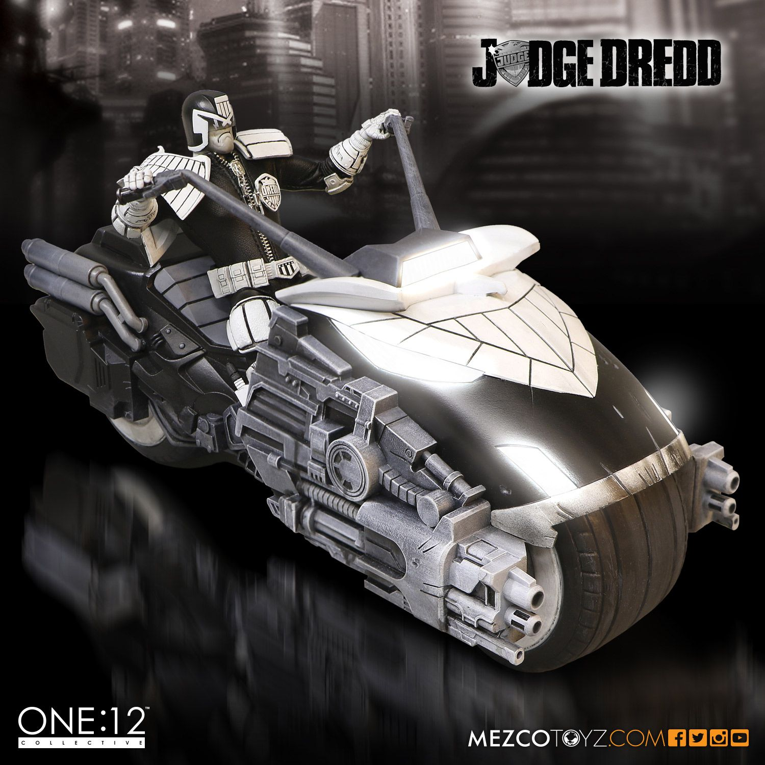 SDCC One12 BW Judge Dredd Set 006