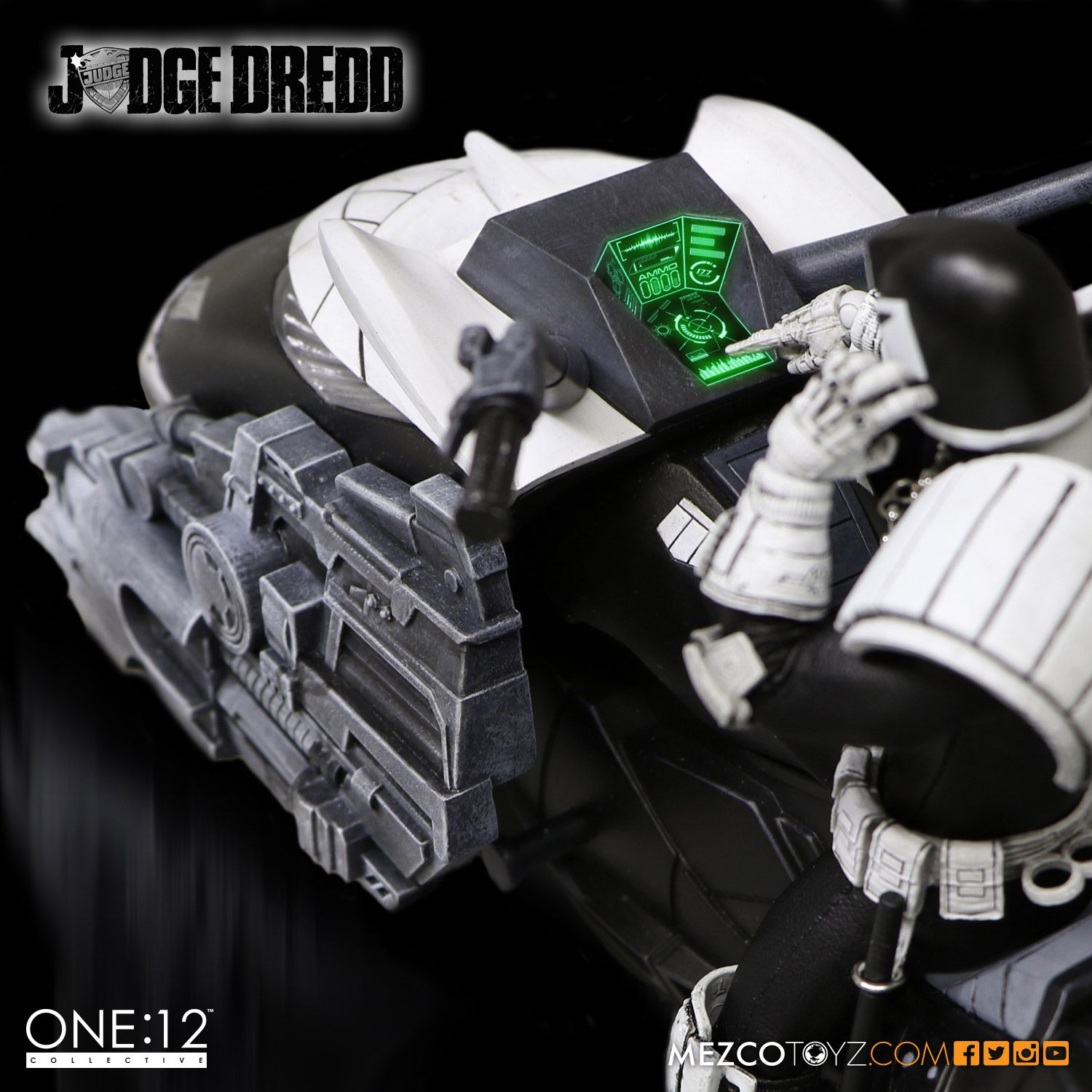 SDCC One12 BW Judge Dredd Set 008