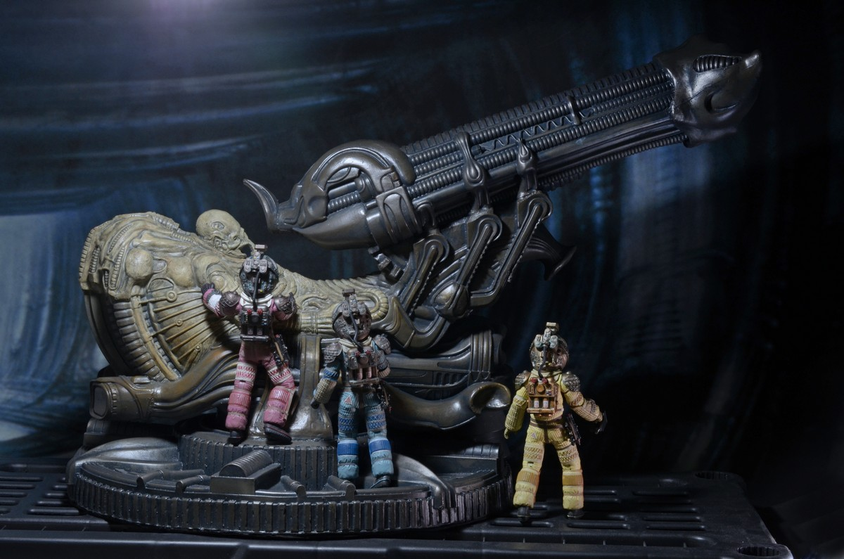 NECA Alien Foam Space Jockey 003