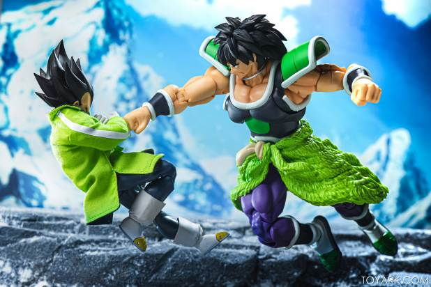 SHF Broly Base Form 022