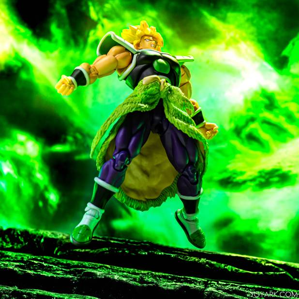SHF Broly Base Form 040