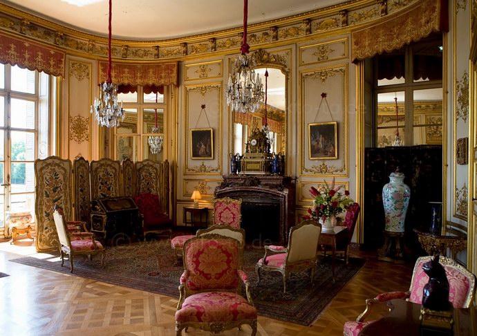 غرفة السفراء بديكوراتها الرائعة