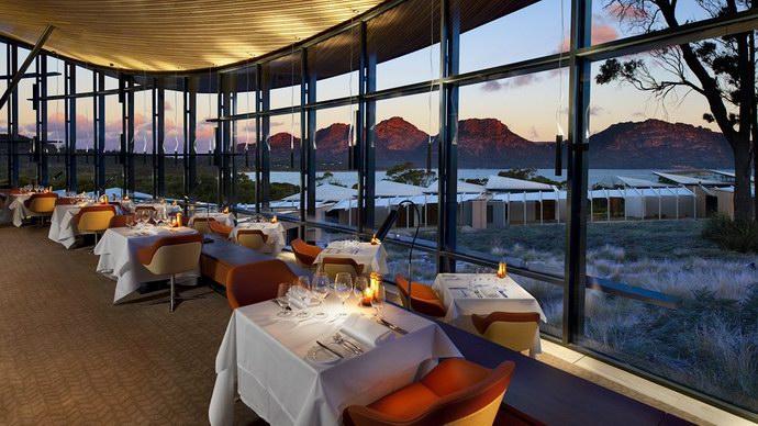 مطعم Palate مع إطلالته الرائعة على الخليج