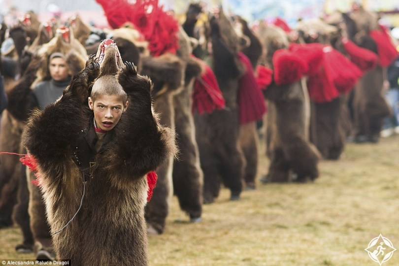 طقوس رقصات السنة الجديدة في رومانيا
