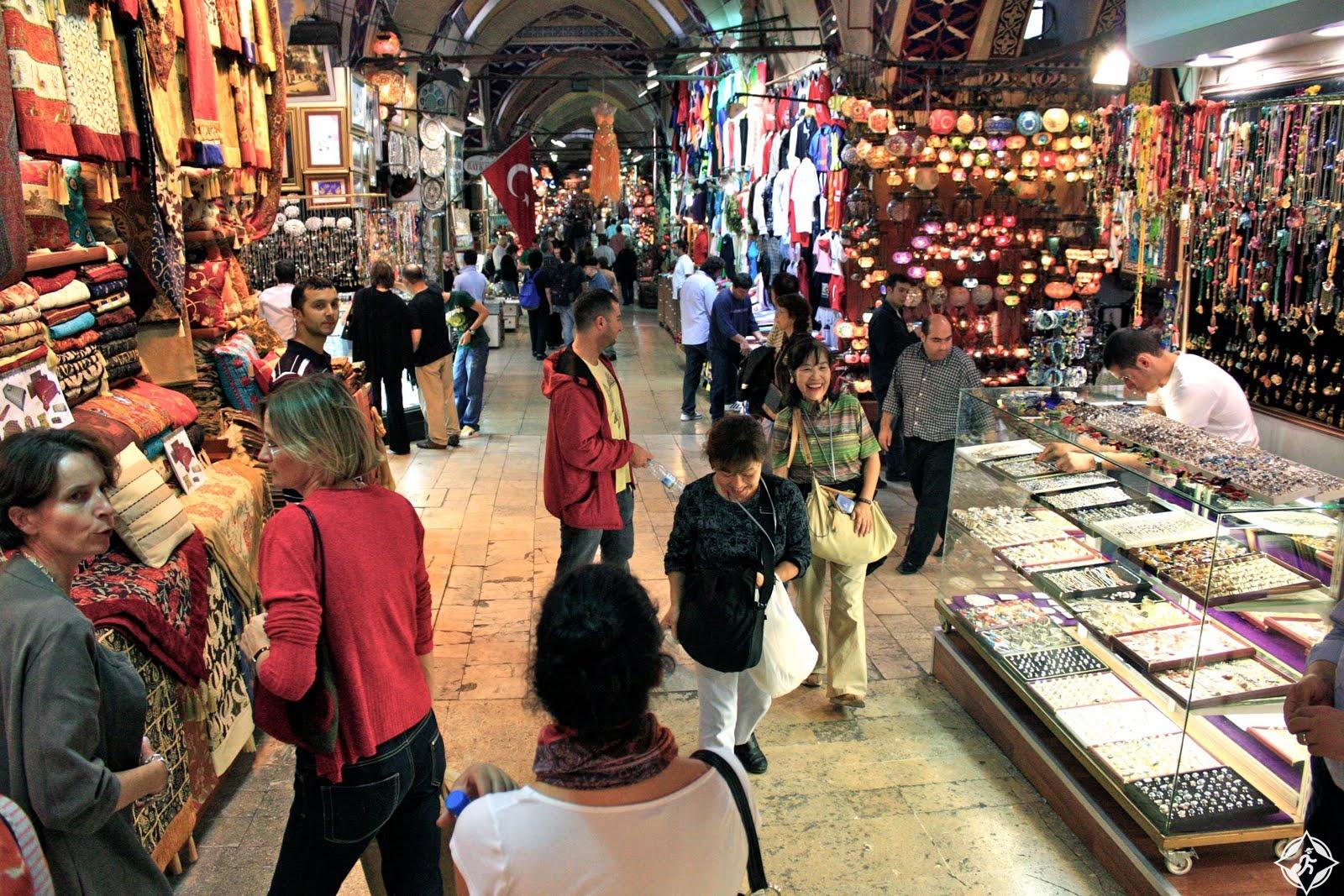 أقدم أسواق اسطنبول.. البازار الكبير في 15 صورة رائعة