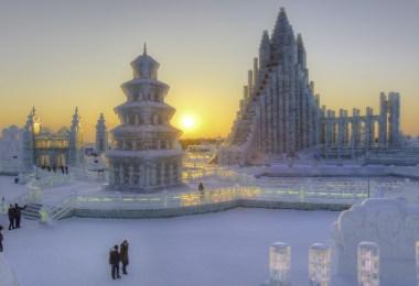 الصين-مقاطعة-هيلونغجيانغ-مهرجان-هاربين-الجليد-والثلج-ثلوج-منتصف-الشتاء