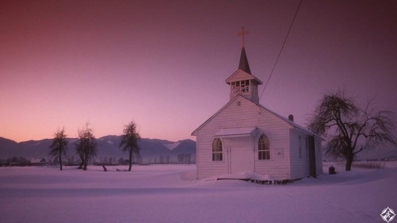 كندا-فانكوفر-كنيسة-صغيرة-ثلوج-منتصف-الشتاء