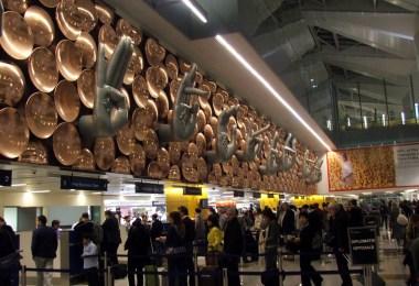 مطار أنديرا غاندى الدولى