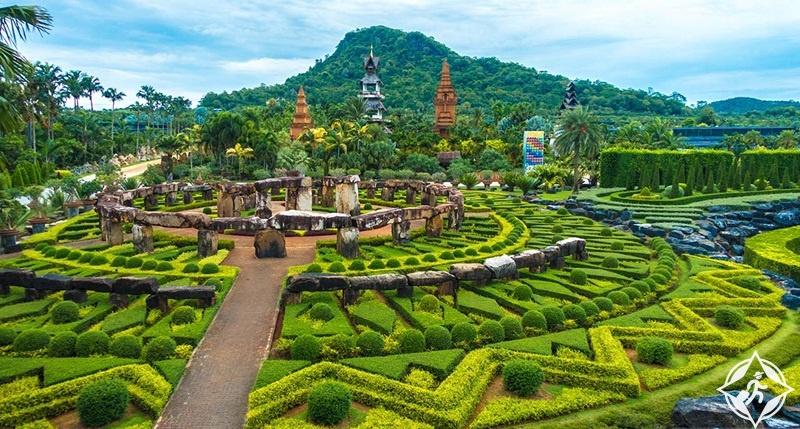 من مدينة باتايا التايلاندية إلى الجنوب من بانكوك العاصمة، تم