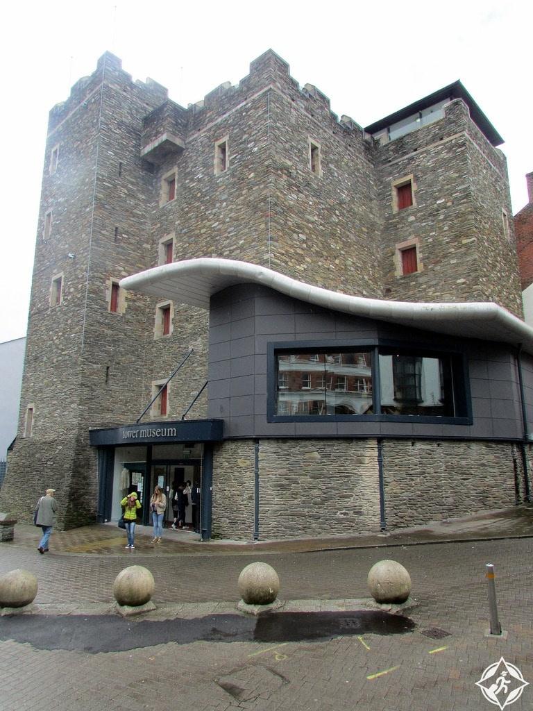 إيرلندا الشمالية-متحف البرج-مدينة ديري