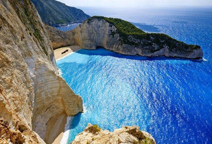 جزيرة زاكينثوس اليونانية.. جوهرة البحر الأيوني الساحرة