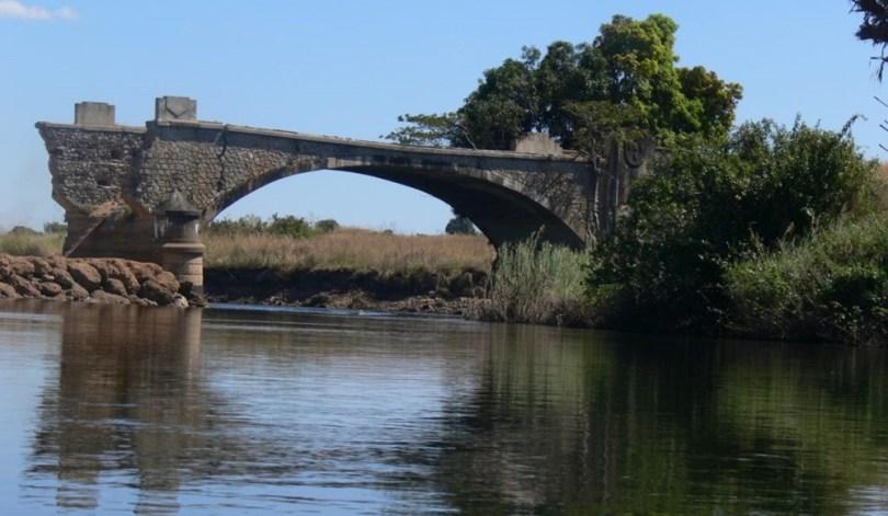 أنغولا - بحيرة ديلولو