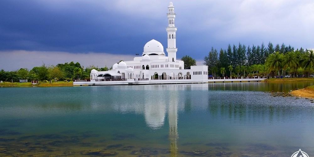 كوالا ترغكانو - المسجد العائم