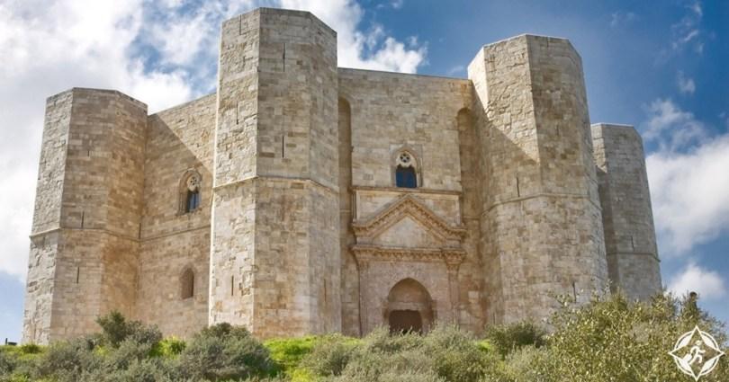قلاع القرون الوسطى - قلعة ديل مونتي