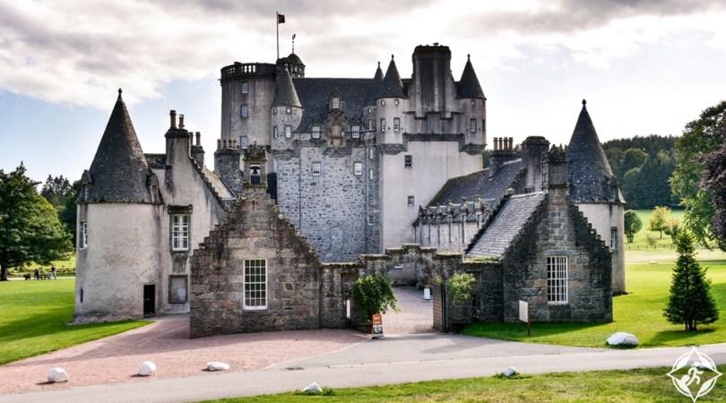 القلاع في اسكتلندا - قلعة فريزر