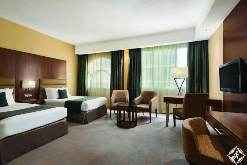 الفنادق الاقتصادية في أبوظبي - فندق هوارد جونسون