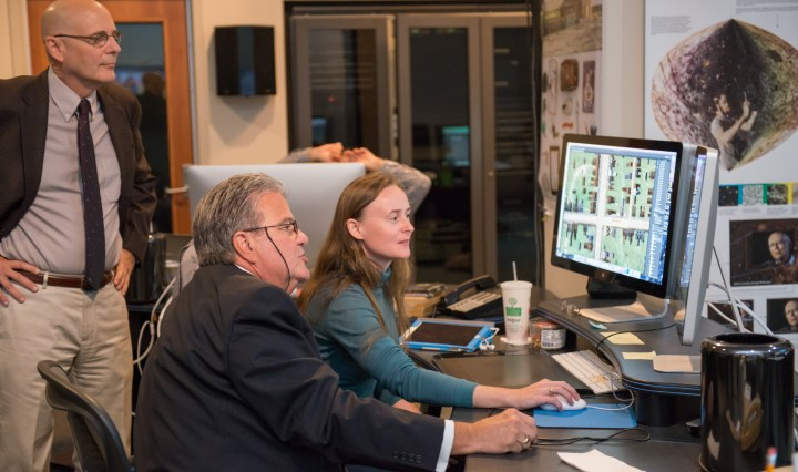 Chancellor Bob Caret and Ganna Vikhlyayeva '15, animation and interactive media, in UMBC's Imaging Research Cente