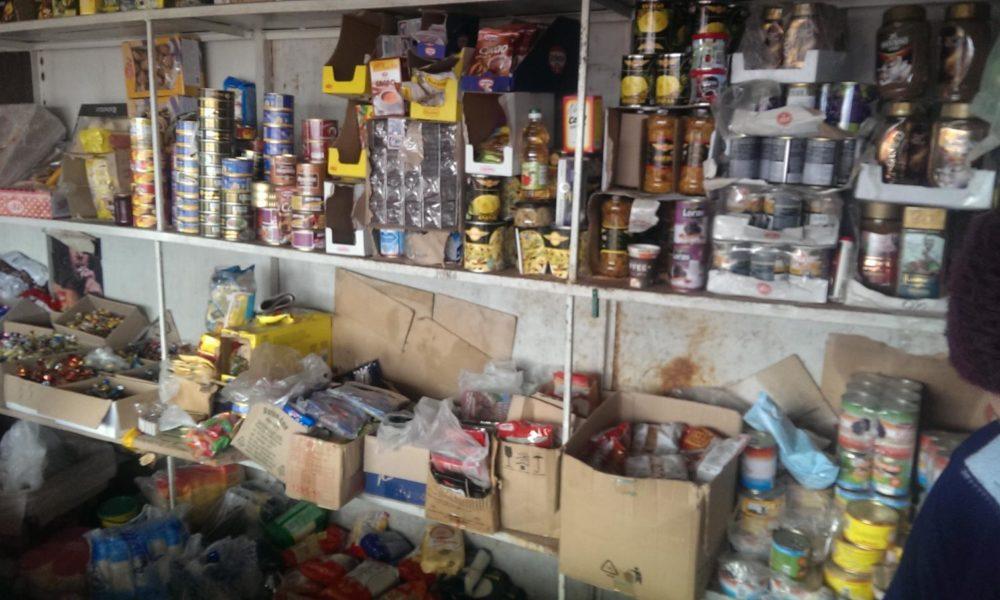 Inspectorii ANSA au verificat comercianții din Ungheni. Rezultatul - 23 kg de produse alimentare nimicite