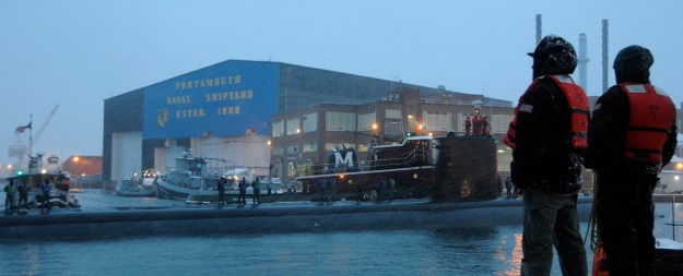 USS Miami arrives at Portsmouth Naval Shipyard, Maine in 2012. US Navy Photo