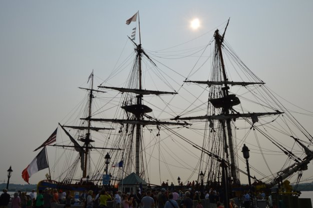 The French ship Hermione sits at a pier in Alexandria, Va., on June 10, 2015. USNI News photo.