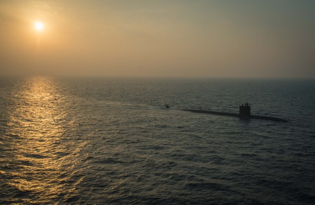 The Los Angeles-class fast attack submarine USS Toledo (SSN 769), assigned to Commander, Task Force (CTF) 54, transits through the Arabian Gulf on Jan. 21, 2016. US Navy photo.
